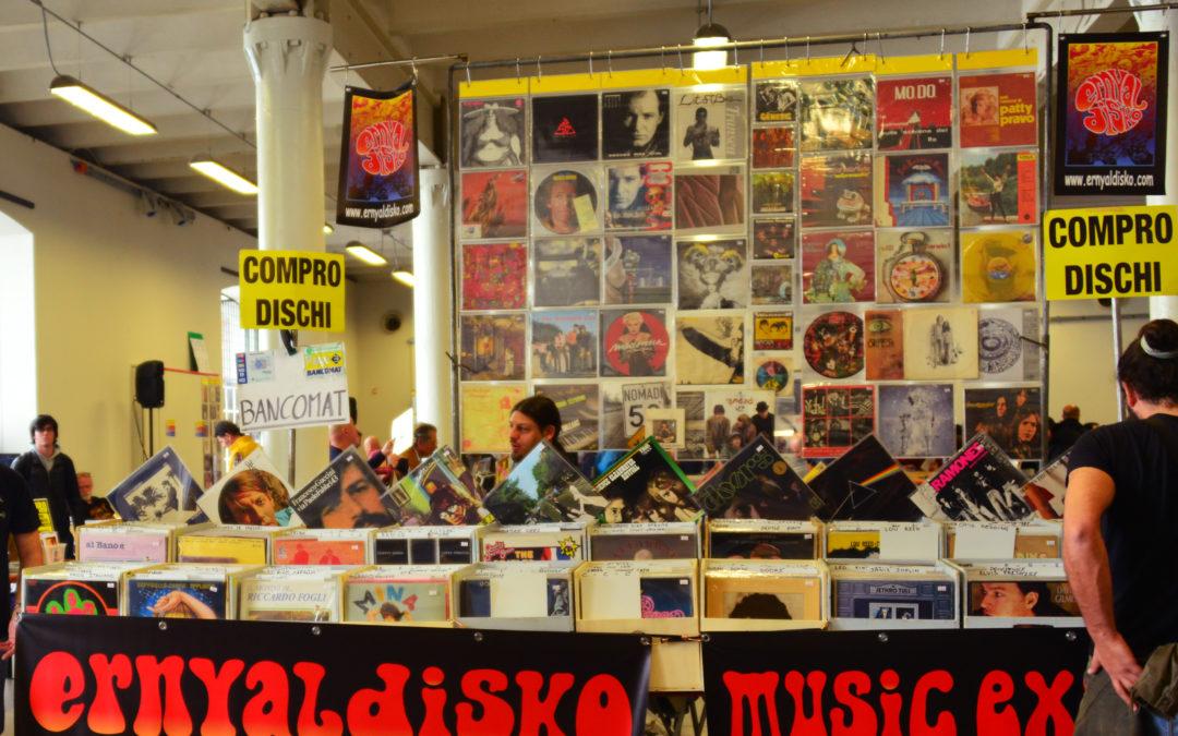 Stand Natalizio Ernyaldisko presso il Centro Commerciale Galleria Borromea